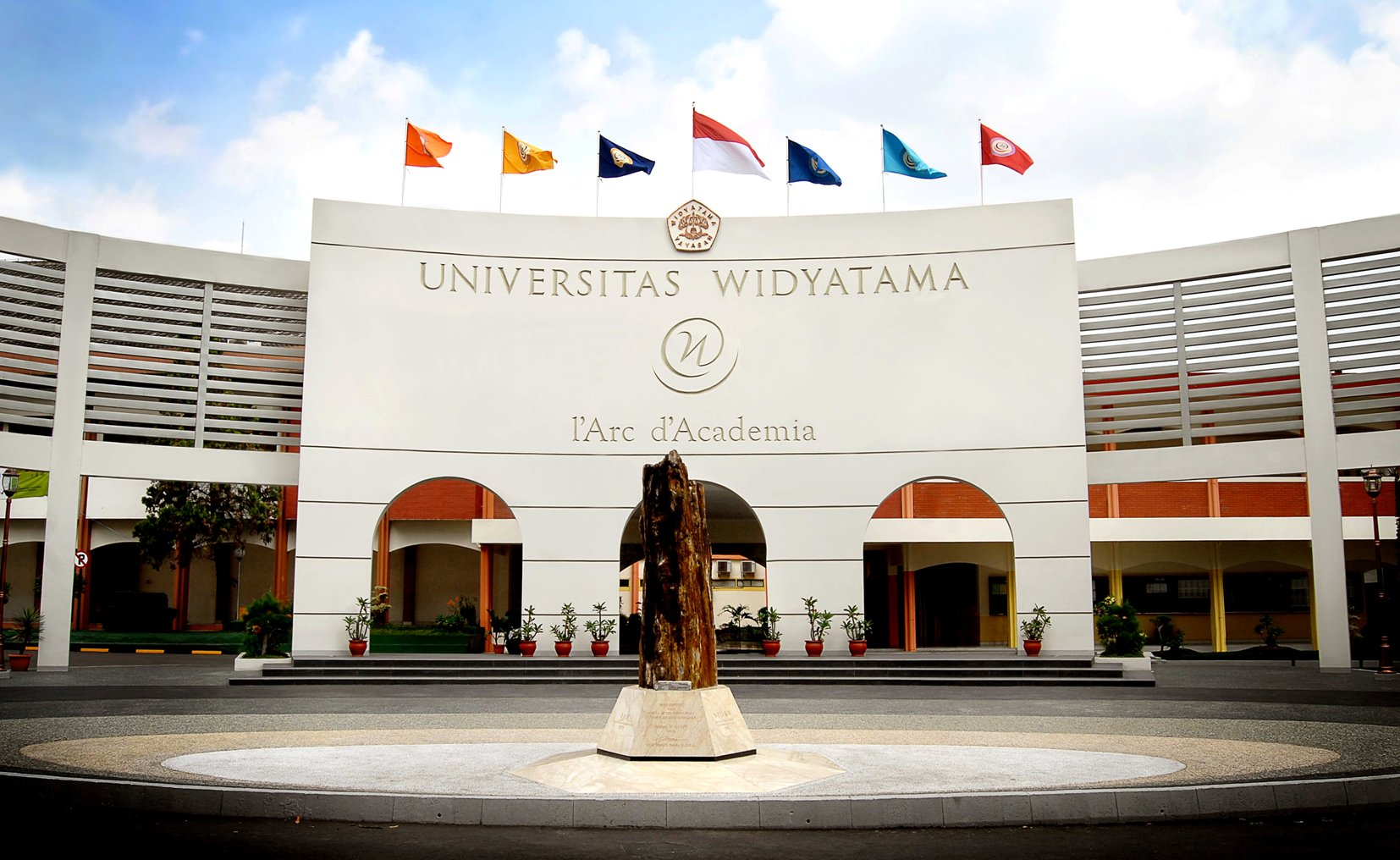 kampus-universitas-widyatama