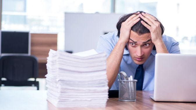 075982100_1561432333-Sering-Menunda-Pekerjaan-Apa-Dampaknya-bagi-Kesehatan-By-Elnur-Shutterstock